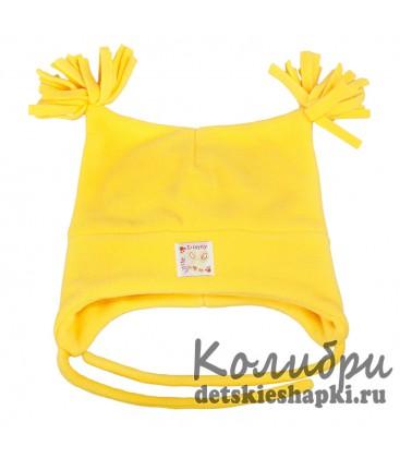 Шапка с кисточками желтая
